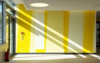 19-RMK-Farbwand-Erdgeschoss-Westausgang